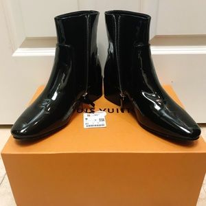 Zara Patent Booties BNWT never worn! Size 40